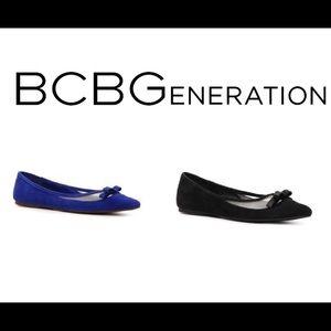 BCBG generation zarine black suede flats